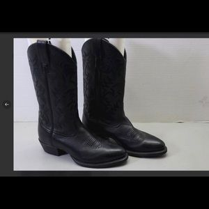 Ariat black boots cowboy